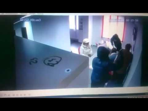 """Ограбление офиса """"Быстроденьги"""" в Магнитогорске 04 04 2016"""