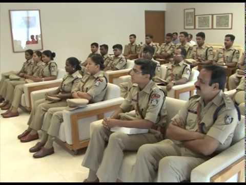 Gujarat CM meets probationary IPS officers
