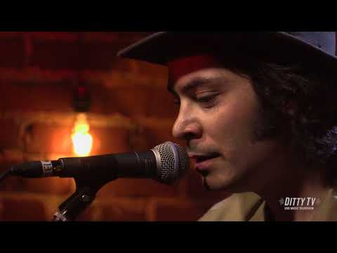 """Max Gomez Performs """"Cherry Red Wine"""" On DittyTV"""