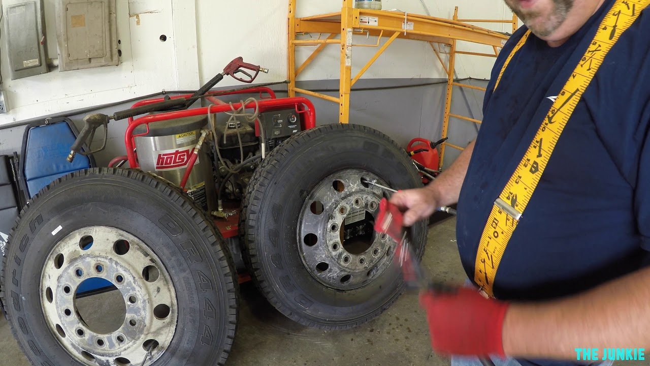 Semi Truck Tires Near Me >> How To Change Semi Truck Drives Tires