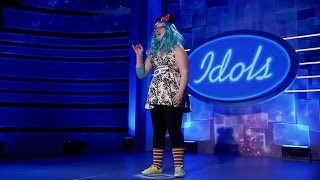 Minnie Mouse op auditie  - IDOLS