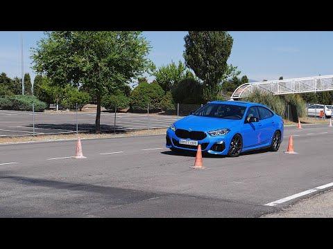 BMW M235i xDrive 2020 - Maniobra de esquiva (moose test) y eslalon | km77.com