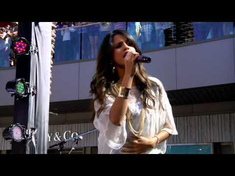 Santa Monica Place performance