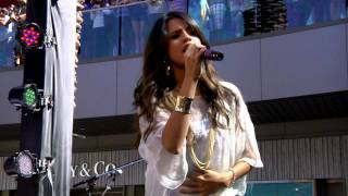 Santa Monica Place performance
