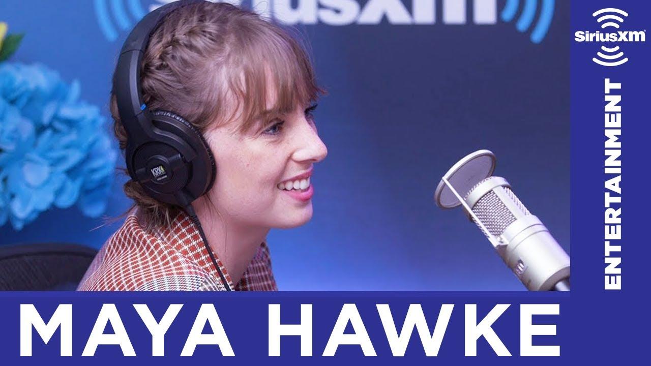 datos interesantes acerca de Maya Hawke singing