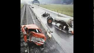 COMPILATION OF OLD VINTAGE CAR CRASHES/