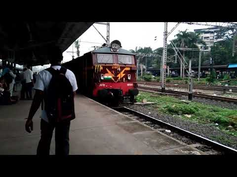 Pune Intercity arriving @Thane