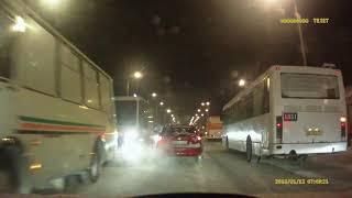 Момент аварии на ул. 24-я Северная (12.1.2018)