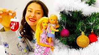 Куклы Барби и Штеффи покупают игрушки для елки!