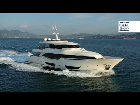 [ENG] FERRETTI Custom Line NAVETTA 28- Review - The Boat Show