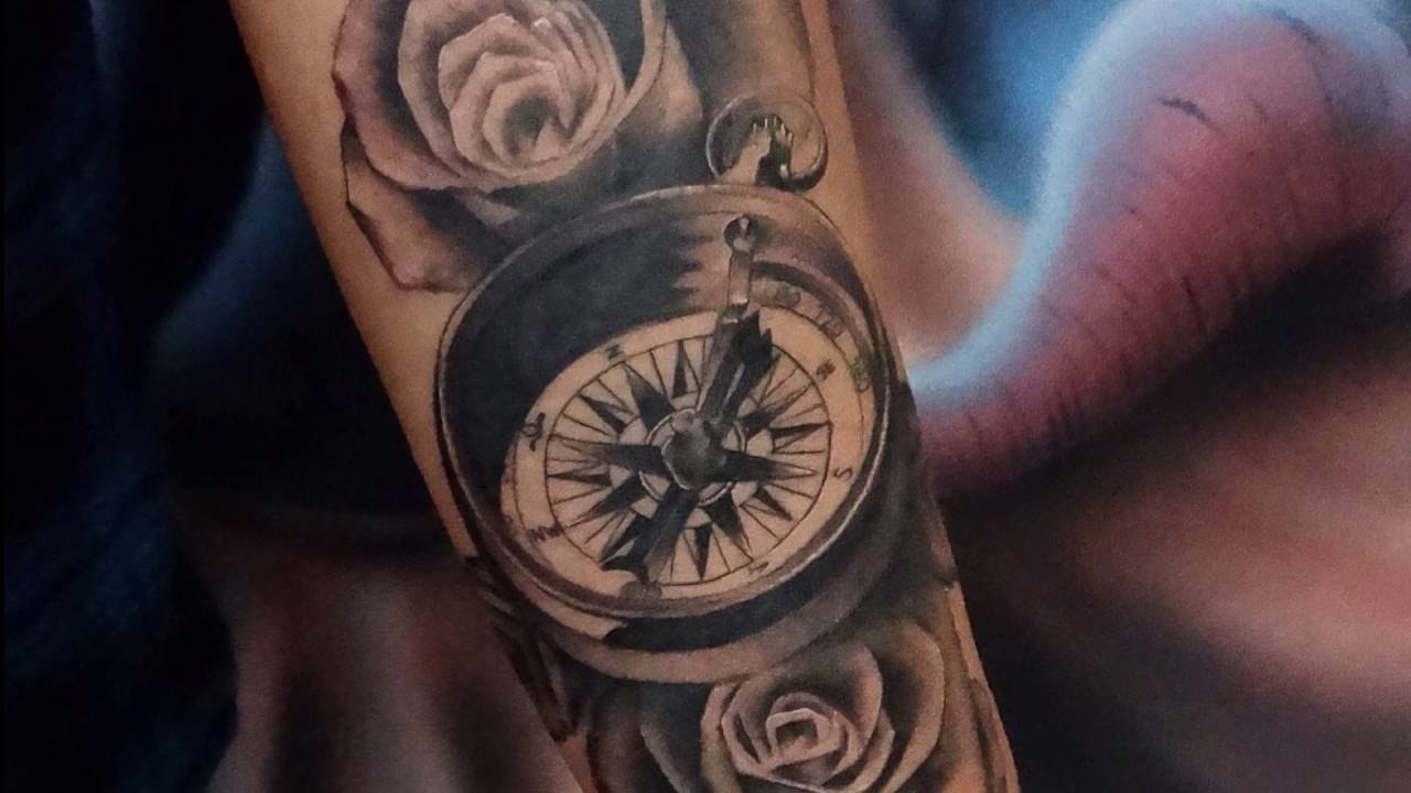 Tiago sartori black and gray tattoo b ssola youtube for Tatoo bussola