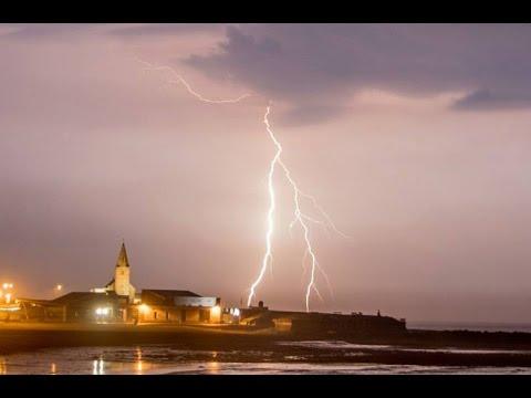 EXTREME Close Thunder and Lightning - Newbiggin by the Sea - Northumberland 16/09/16