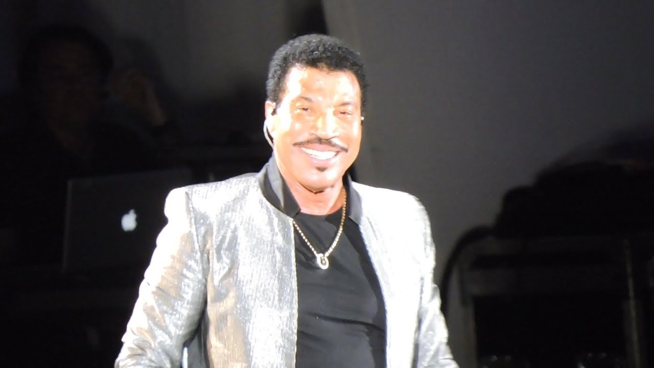 Lionel Richie Live Stuck On You Dancing On The Ceiling At Hollywood Bowl