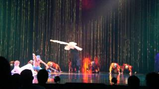 "Dergin Tokmak""Dancing on Crutches"" Cirque Du Soleil VAREKAI"