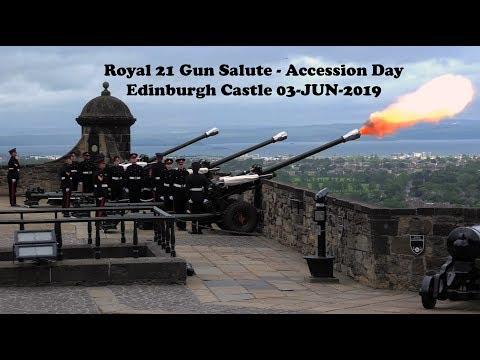 Royal 21 Gun Salute Accession Day 2019 - Edinburgh Castle [4K/UHD]