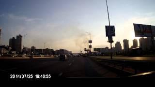 Палят забор-Позняки(Видео с видеорегистратора., 2014-07-25T20:00:41.000Z)