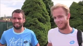 Václav Šafránek a Filip Doležel po vítězství v deblu na turnaji Futures v Ústí n. O.