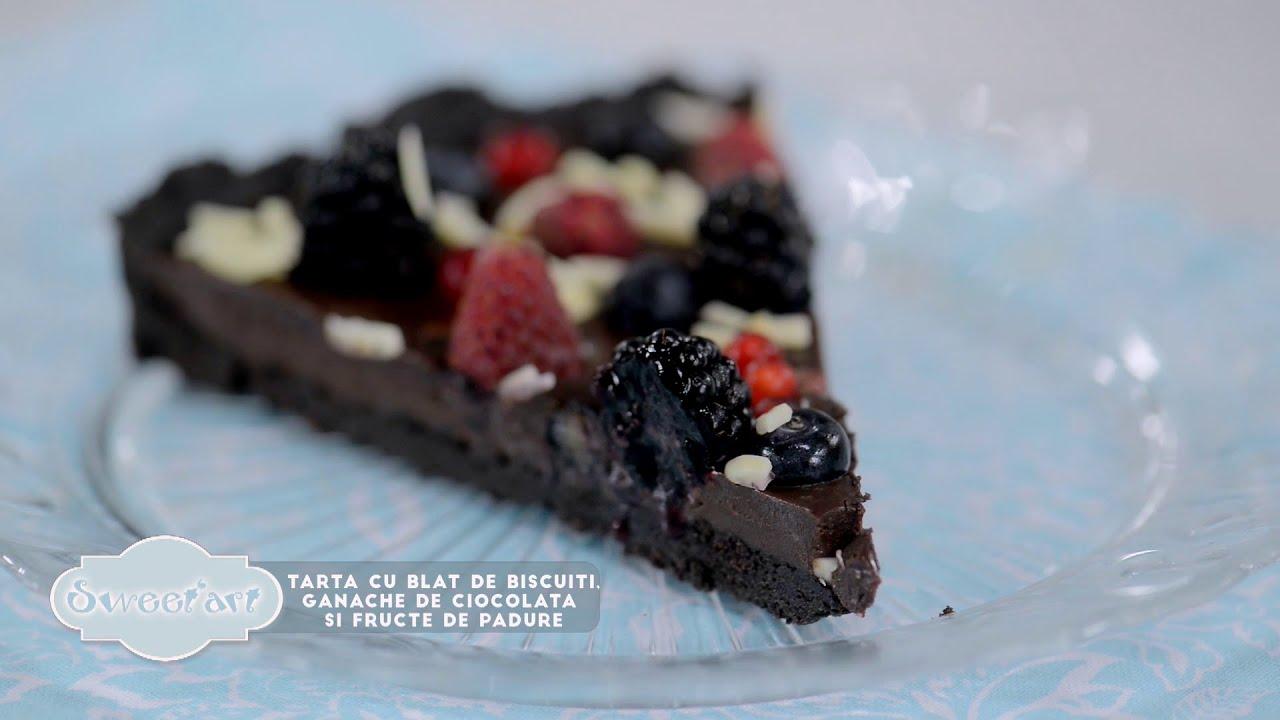 Reteta- Tarta fara coacere cu biscuiti, ganache de ciocolata si fructe de padure