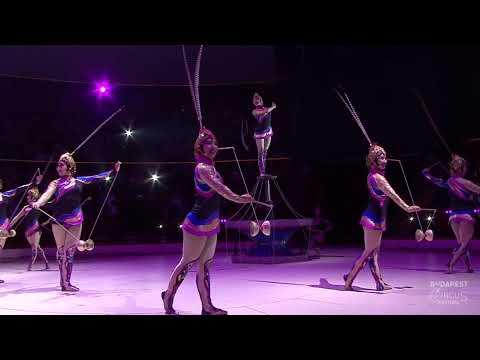 A fesztivál fellépői - Chinese National Acrobatic Troupe - diabolo