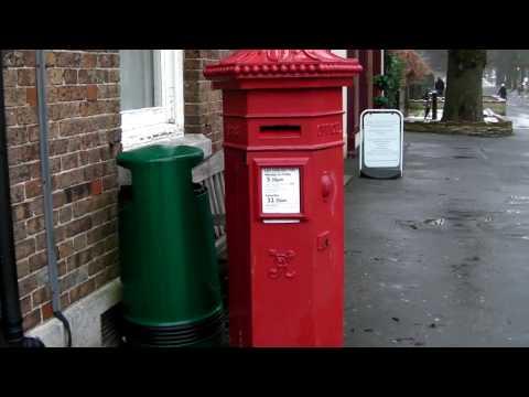 Q VIC Pillar Box