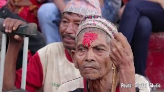 बोटे माझीलाई दशैको उपहार घर दिदै साम्सद चन्द्र भण्डारी    Chandra bhandari at rural village