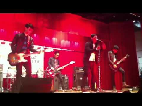 Repvblik - Jika Aku Mati @ Konsert R(A), Singapore 2012