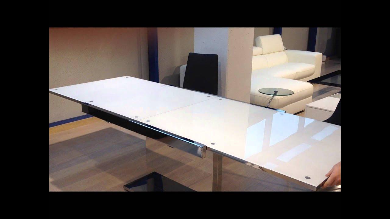 C mo se abre la mesa de comedor extensible de cristal for Mesas redondas de cristal para comedor