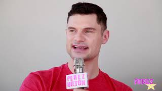 flula borg dishes deets on pitch perfect 2