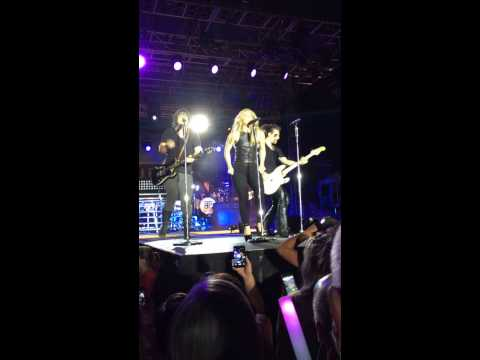 The Band Perry Uptown Funk 2015 Burlington Steamboat