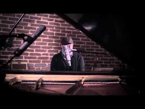 """Sleeping At Last performs """"Turning Page"""" Live (Twilight: Breaking Dawn - Part 1)"""