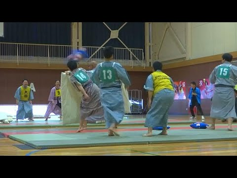 شاهد: في اليابان .. طلاب المدارس يتنافسون في بطولة القتال بالوسائد…  - نشر قبل 10 ساعة