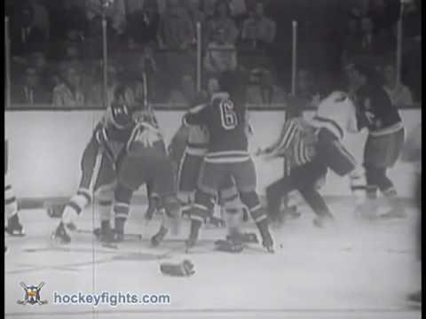 Vic Hadfield vs Jim Harrison Oct 17, 1970