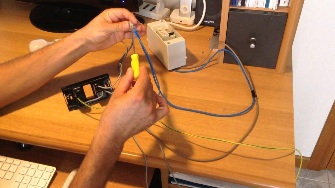 Come collegare una presa ricavandola da un interruttore