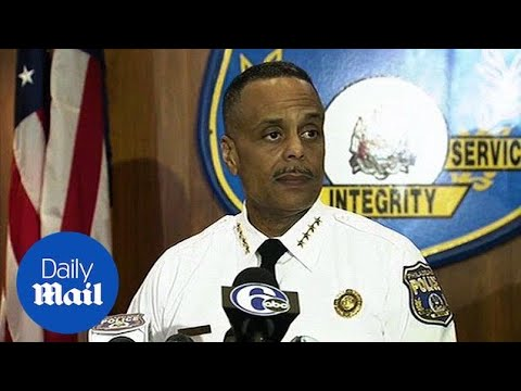 Philadelphia police chief apologizes for Starbucks arrests - Daily Mail