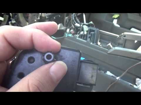 BEST VIDEO OF ANNOYING KNOCKING NOISE,NISSAN TITAN