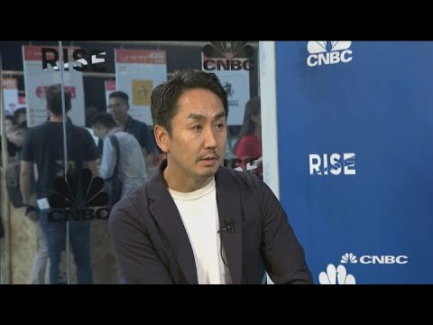 'We see cryptocurrencies as a new challenge': Line CEO | Squawk Box Asia