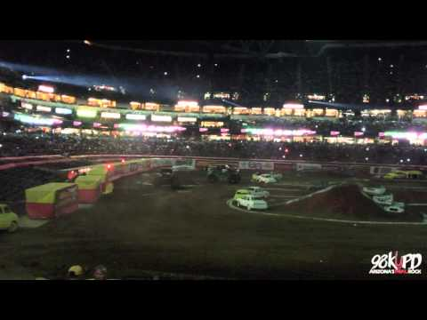 Grave Digger Crashes in Phoenix