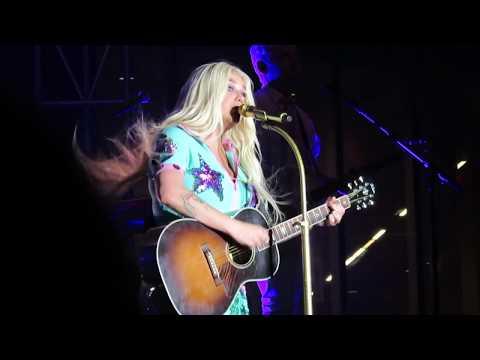 Kesha at 80/35 Music Festival, Des Moines, IA