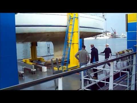 Sun Odyssey 49 - Lift, Clean & Antifoul Service
