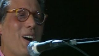Download Enzo Jannacci - Medley: Vengo anch'io. No, tu no, El portava i scarp del tennis ( Live @RSI 1986) MP3 song and Music Video