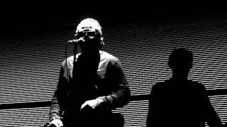 "Massive Attack "" Girl I love you "" feat Horace Andy Zénith de Paris 26022016"
