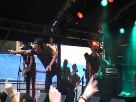 Alesana - What Comes Around Goes Around (Live Siesta)