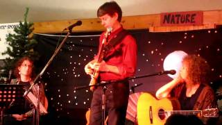 Winter Folk Camp 2011 - Incredible bass solo by David Woodhead