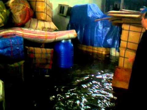 26/01/2011 Flood in Jeddah Bini Malik Farnas Cargo By Haidar Ali