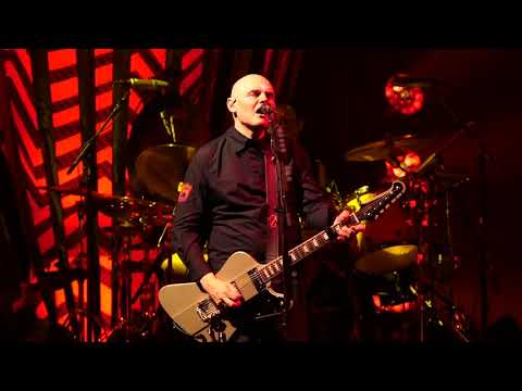 "Watch Smashing Pumpkins' Explosive Take On James Taylor's ""Fire And Rain"" 