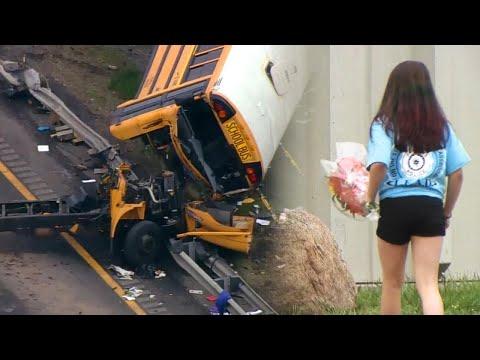 Girl Brings Flowers to New Jersey School After 2 Die in Bus Crash