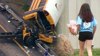 Video Girl Brings Flowers to New Jersey School After 2 Die in Bus Crash download MP3, 3GP, MP4, WEBM, AVI, FLV Mei 2018