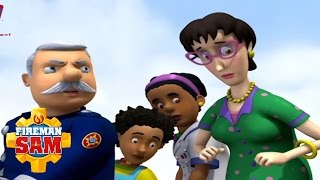 Fireman Sam Official: Trevor's Bus Goes to the Sea(, 2011-07-14T18:12:38.000Z)