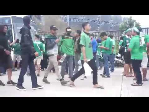 PSMS /Kami disini anak anak medan stadion Bandung lautan api