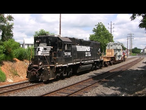 Norfolk Southern High and Wide Trains